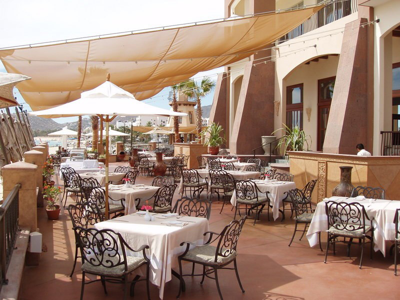 Arco-Outdoor-Restaurant
