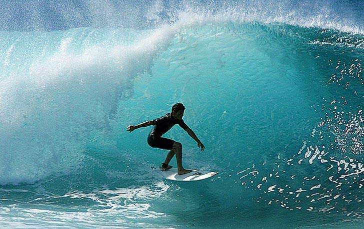 Surfing_in_Costa_RIca_728