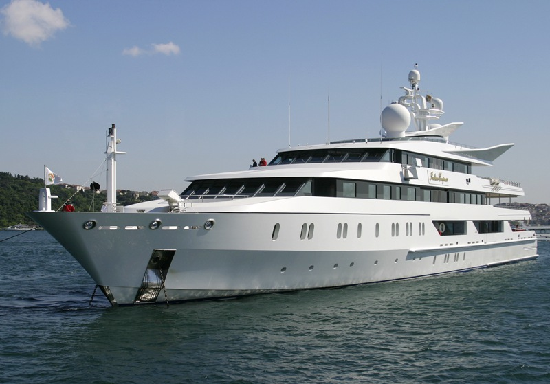 Istanbul Transportation - Luxury Yachts and Autos