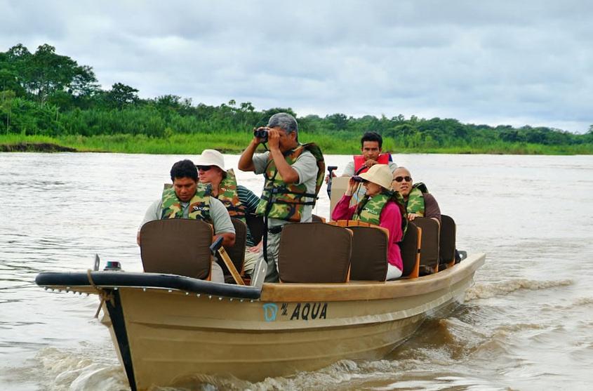 Aqua-Expeditions - Activities