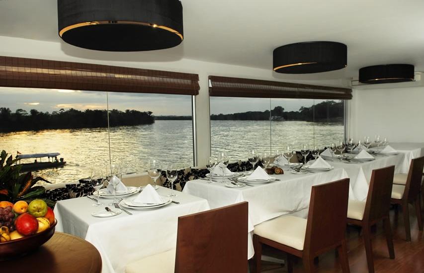 Aqua-Expeditions - Dining